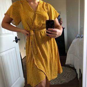 Yellow dotted midi tie dress